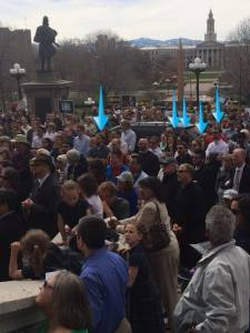 Look at all of those attractive Christ in the City missionaries praying at the Capitol